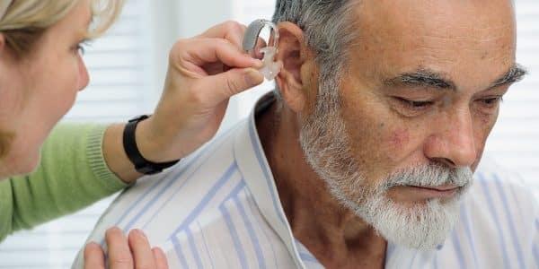 Verantwortungsvolle Zukunft: Ausbildung zum Hörakustiker