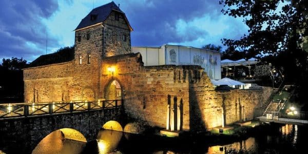 Ritterspiele und Burgtheater: Hessens Burgenlandschaft