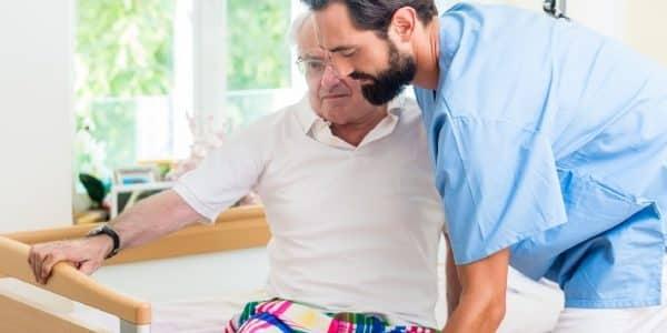 Mindestlöhne für Pflegeberufe sollen zu 2018 steigen