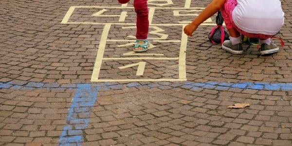 Deutsche wollen mehr Spielstraßen und weniger Verkehr