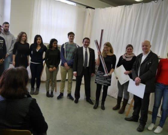"""""""Stelen der Toleranz"""" an zwei hessische Schulen verliehen"""